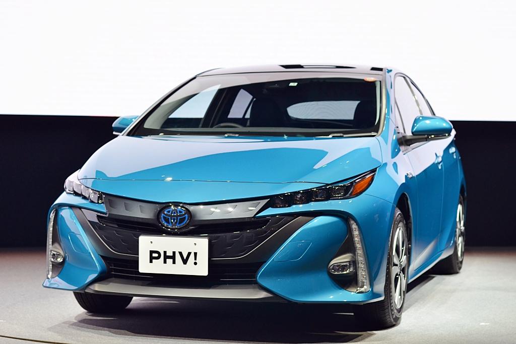 New Toyota Prius PHV 2017